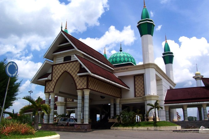 gerbang-menara-persatuan